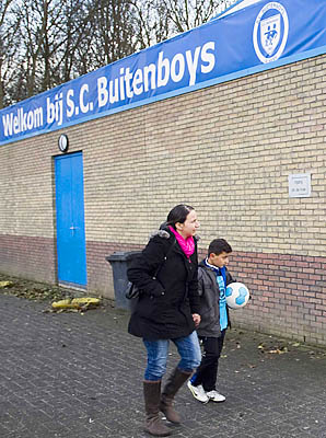 Richard Nieuwenhuizen, 41, died Monday after an attack at a match he was officiating for S.C. Buitenboys.
