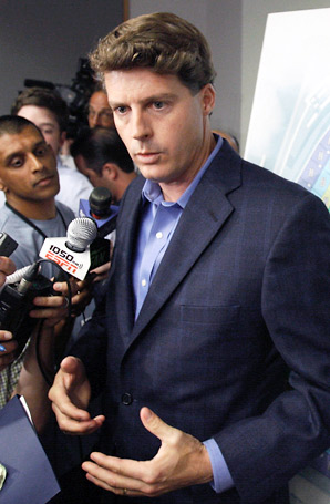 Hal Steinbrenner intends to drop the Yankees' payroll below $189 million by 2014