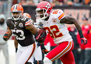 Dwayne Bowe hurt his ribs last Sunday against the Browns.