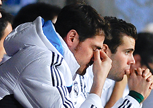 Iker Casillas (front) reacts during Saturday's game.