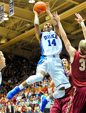 Duke's Rasheed Sulaimon drives to the hoop in a home game against Elon.
