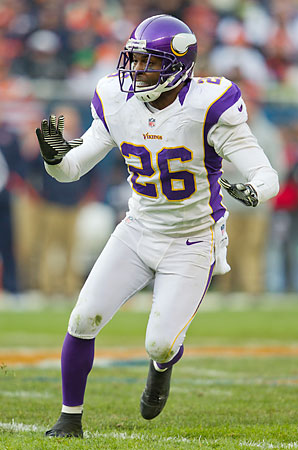 Vikings cornerback Antoine Winfield will have to play well, and through an injury, to limit the damage Aaron Rodgers inflicts on Saturday.