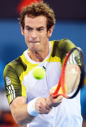 Andy Murray moved a step closer in his quest for back-to-back titles at the season-opening Brisbane International.