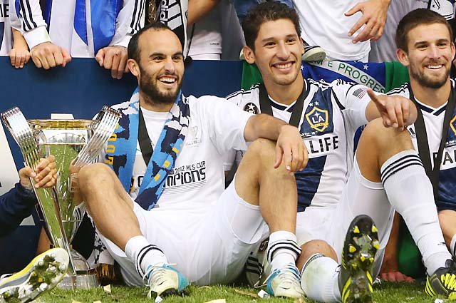 Landon Donovan (left) and Omar Gonzalez (center) both scored in the Galaxy's MLS Cup final triumph.