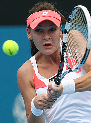Agnieszka Radwanska rolled despite searing temperatures that topped 100 degrees at Olympic Park.