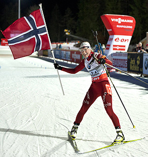 Tora Berger anchored the Norwegian team and carried them to victory in the women's biathlon relay.