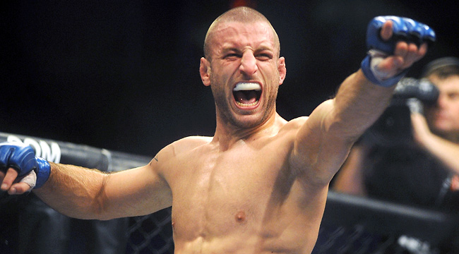 A kickboxer by trade, Tarec Saffiedine controlled the main event unloading a barrage of leg kicks.