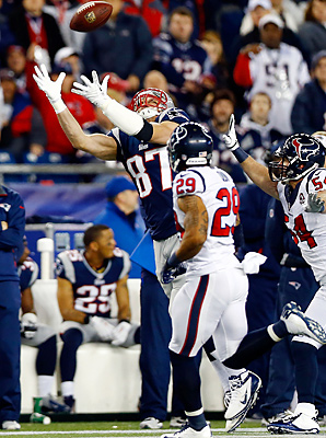 Rob Gronkowski broke his arm while attempting to make this catch in the first quarter.