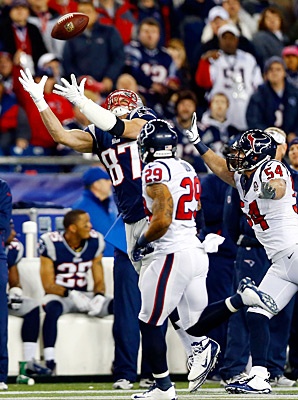 Rob Gronkowski re-broke his left arm during Sunday's 41-28 win over the Texans.