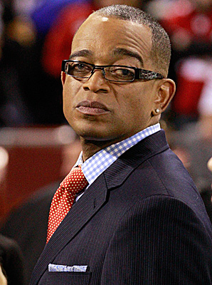 Stuart Scott announced on Twitter that he would undergo chemotherapy every two weeks but would continue to work.