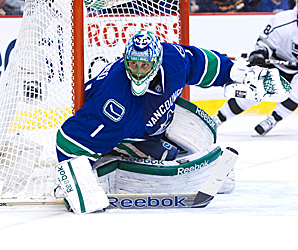 Roberto Luongo will start when the Canucks host the Edmonton Oilers on Sunday night.