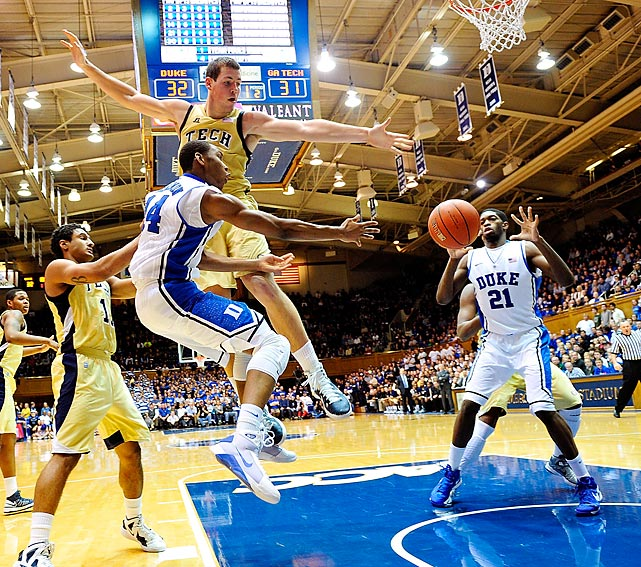 Duke guard Rasheed Sulaimon gets his pass around Georgia Tech's Daniel Miller to teammate Amile Jefferson during the Jan. 17 ACC matchup. The No. 1 Blue Devils knocked off the Yellow Jackets 73-57 behind 24 points from guard Seth Curry.