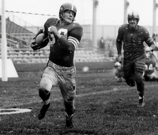 A thrill runner from day one with the Niners, the halfback recorded the longest run from scrimmage (89 yards) and longest punt return (94 yards) on his way to 1952 Rookie of the Year honors. When he retired in 1964, having moved on to Minnesota, New York and Detroit, he had rung up 11,375 total yards (over six miles!)