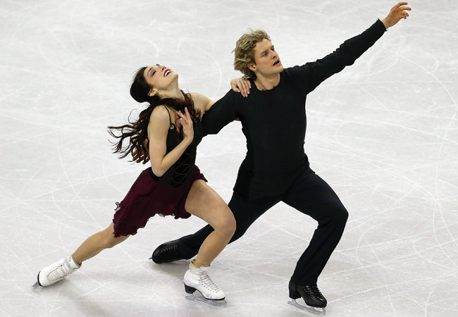 Meryl Davis and Charlie White joined a select group of ice dancers in winning their fifth straight U.S. crown.