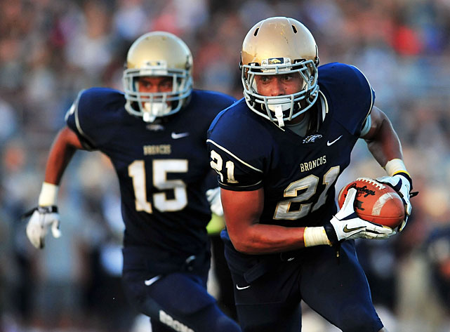 The Murrieta, Calif., product was a one-man wrecking crew for Vista Murrieta High. Cravens played running back, wide receiver and safety en route to 13 touchdowns, 95 tackles and three interceptions.