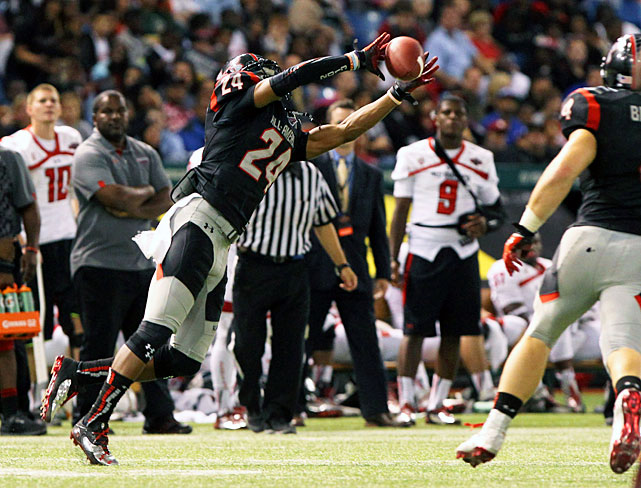 The No. 2 overall recruit in the class of 2013, Hargreaves finished his senior season with 110 tackles, five interceptions, five forced fumbles and five pass deflections. He also dominated the Under Armour All-America Game, earning MVP honors after tallying five tackles, two pass breakups and a pick. The Tampa, Fla., prospect maintains a 3.8 GPA and will attend Florida in the fall.