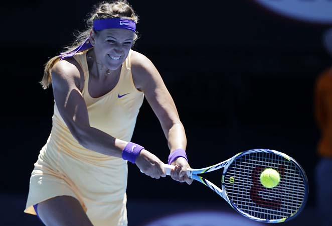 Victoria Azarenka takes the No. 1 ranking into February, but Serena Williams is approaching.