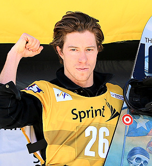 Shaun White experienced a rare fall during his first run, but recovered to take the gold.
