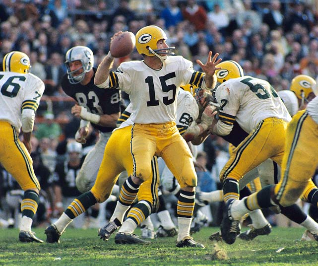 Starr made it two in a row, for him and for Green Bay, after 202 passing yards and another touchdown eased the Packers past the Raiders.