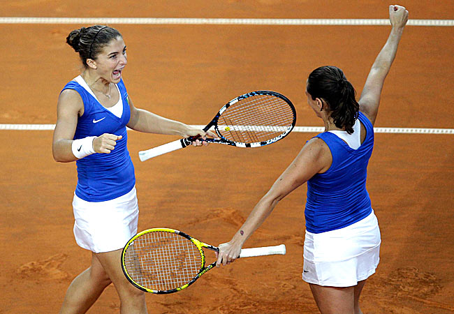 Errani and Vinci, the top-ranked doubles team, won 6-2, 6-2 against an understrength American team.