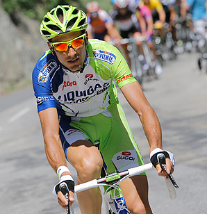 Cyclist Ivan Basso revealed that he paid a doctor at the center of Operation Puerto for treatment.