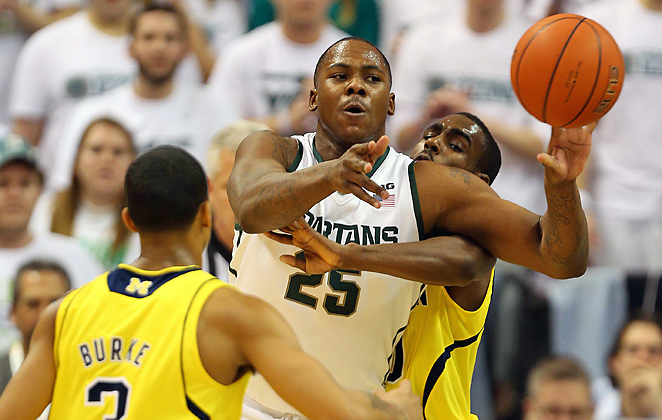 Michigan State's Derrick Nix (25) was a force, hitting 6-of-9 shots and grabbing two of the Spartans' 14 offensive boards.