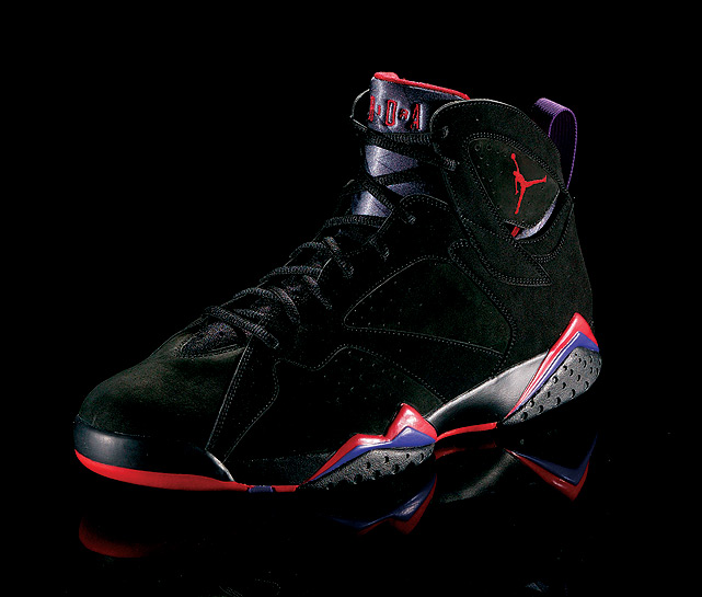 Jordan won his second straight title with the Jordan VIIs on his feet and, later that summer, brought an Olympic-themed version with him to the Barcelona Games.