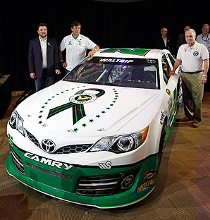 Michael Waltrip will drive No. 26 at the Daytona 500 to honor the 26 victims of the shooting at Sandy Hook Elementary School.