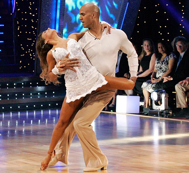 The NFL defensive end finished in 2nd place with dancing partner Edyta Sliwinska.