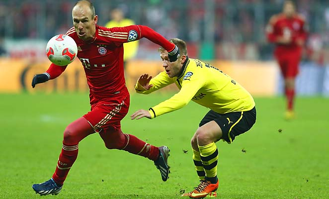 Arjen Robben (left) and Bayern have a huge Bundesliga lead and are a Champions League favorite.