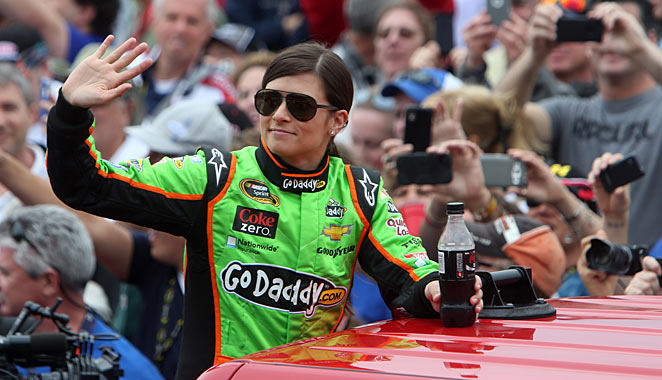 With a house and a familiar track in Phoenix, Danica Patrick should feel right at home for Cup race No.2.
