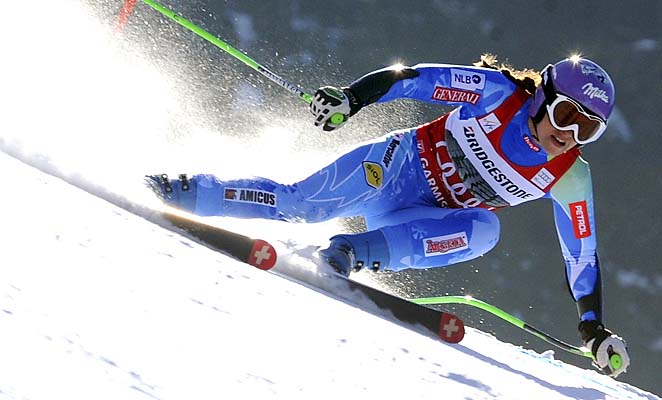Tina Maze finished fourth in Sunday's super-G at Garmisch-Partenkirchen.