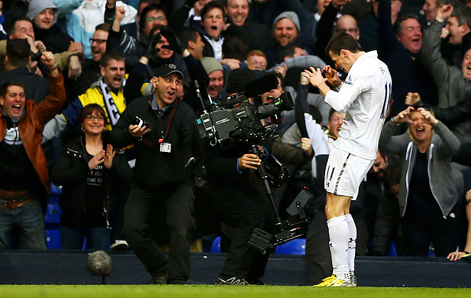 Gareth Bale celebrates his 37th-minute goal for Spurs.