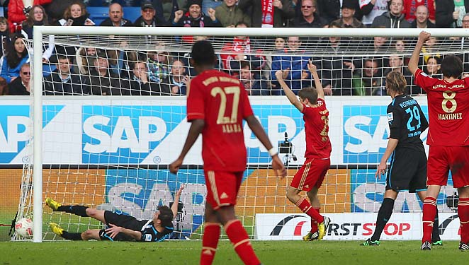 Bayern Munich celebrates Mario Gomez's goal in their 1-0 win over Hoffenheim.