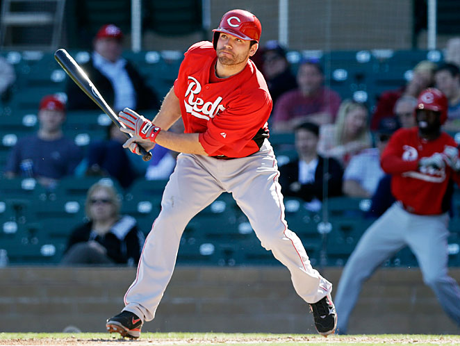 Joey Votto says his knee feels fine and he has decided to play for Canada in the World Baseball Classic.