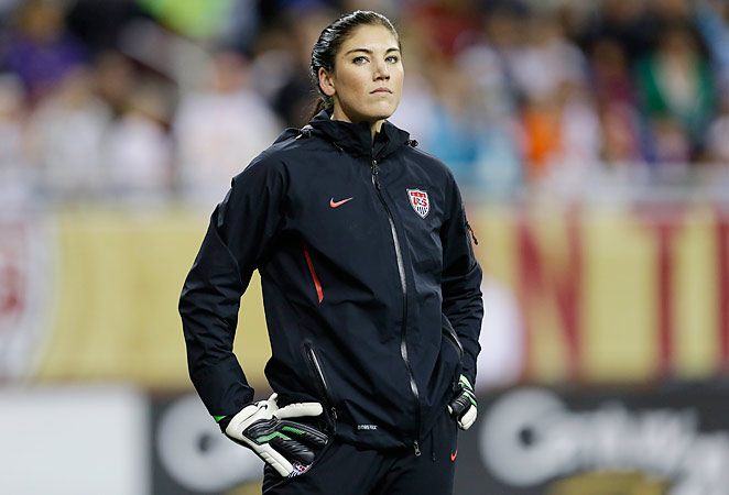 Hope Solo has been diagnosed with a broken wrist and will be out 3-4 months