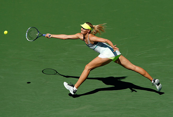 Maria Sharapova notched a straight-set victory to move on to the quarterfinals in California.