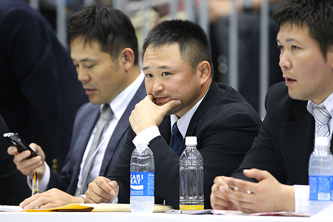 Former Japanese judo head coach Ryuji Sonoda (center) was accused of harassment and physical violence.