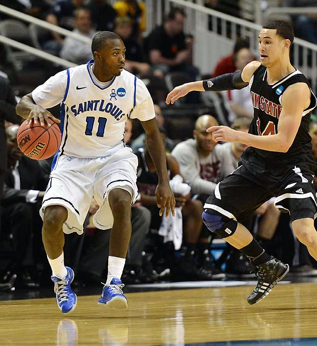 Mike McCall Jr. helped the Billikens cruise to a 20 point victory in the second round.