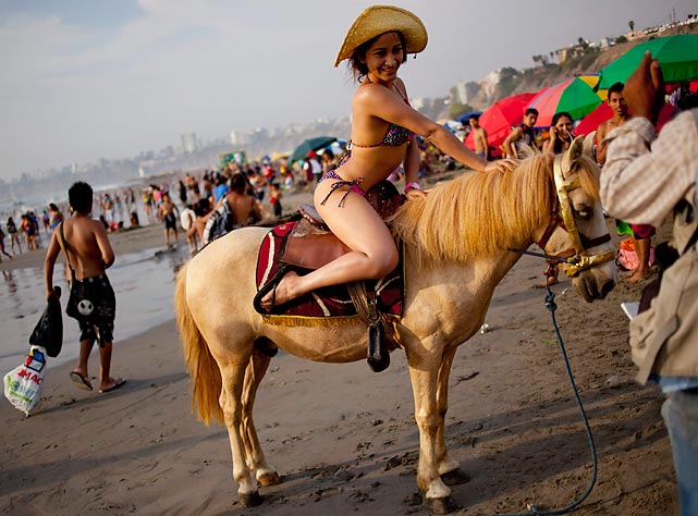 If jockeys were routinely as attractive as what's on display here in Lima, Peru, horse racing would have 10 times the audience that it enjoys now.