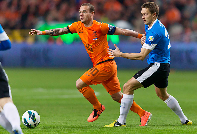 Wesley Sneijder strained a groin muscle in the Netherlands' game against Estonia and will miss the team's next match on Tuesday.