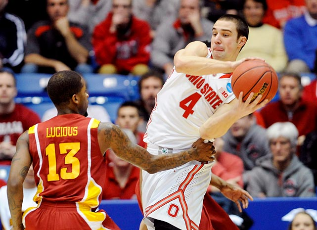 <bold>Aaron Craft bounced back from a sluggish four-point outing in a second-round win against Iona with a clutch performance against Iowa State. The junior broke open a tie game with a three-pointer with 0.5 seconds left, holding off the Cyclones' upset bid with a cap on an 18-point night. And Craft is still a key playmaker for Ohio State: He's averaging 6.5 assists in the tournament.</bold>
