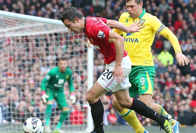 Robin van Persie ranks second in the Premier League with 19 goals this season.
