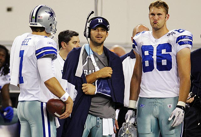 A broken left clavicle relegated Romo to the sidelines during a late October Monday night game against the Giants; Dallas put him on injured reserve two months later.