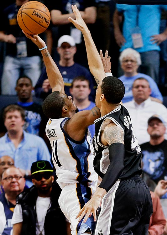 Conley hit a game-tying three-pointer with 30 seconds remaining and drove in for the game-winning layup with 0.6 seconds left as the Grizzlies defeated the Spurs 92-90 in Memphis and matched a franchise record with their 50th victory.