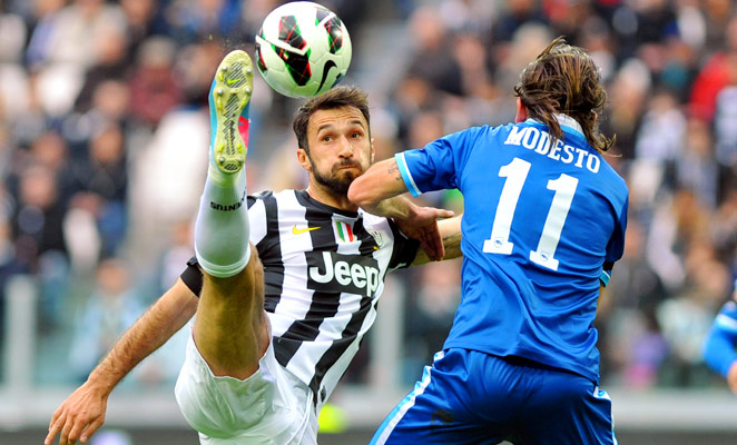 Mirko Vicinic scored his eighth and ninth goals of the season in Juventus' 2-1 win over Pescara.