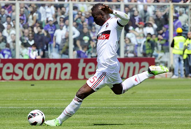 Mario Balotelli and AC Milan are in third place in Serie A, four points behind second-placed Napoli.