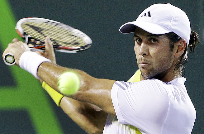 Spain's Fernando Verdaso is just 2-5 in 2013, but was able to get a victory of Steve Johnson of the US.