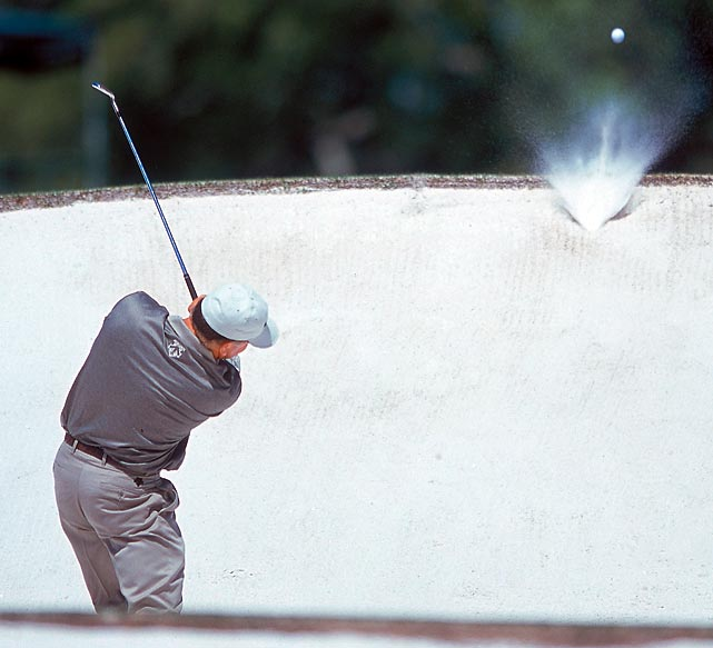 The 1998 Masters champion, Mark O'Meara had some trouble getting out of a bunker during the 2000 tournament.