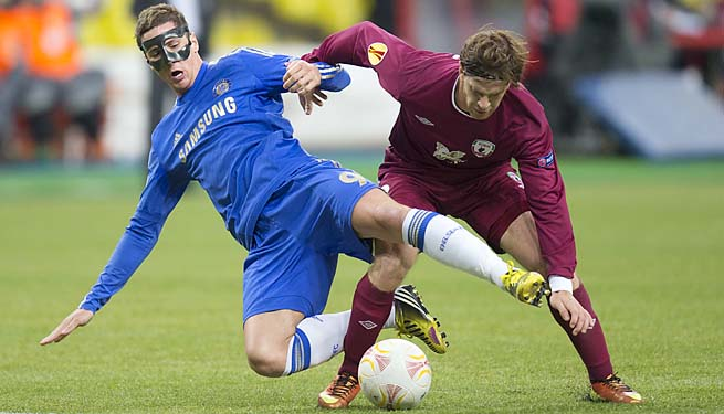Fernando Torres (left) scored in the fifth minute for Chelsea.